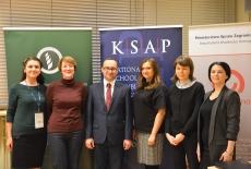 Pięć kobiet i męższyzna stoją na tle rollupów MR, KSAP i MSZ.