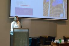 dr Agnieszka Wincewicz-Price przy mównicy