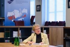 Prof. Maria Gintowt-Jankowicz w bibliotece KSAP