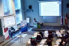 uczestnicy szkolenia w auli KSAP