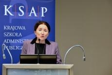 prof. Grażyna Ulicka przemawia przy mównicy