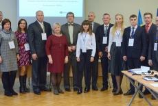Grupowe zdjęcie wszystkich uczestników szkolenia oraz przedstawicieli organizatorów.