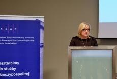 Przy mównicy przemawia Minister Beata Kempa