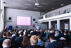 uczestnicy spotkania w auli KSAP