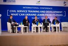 Uczestnicy panelu dyskusyjnego podczas rozmów