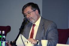 Ambasador Królestwa Hiszpanii Agustín Nuñez Martinez wygłasza wykład