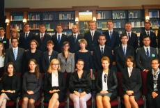 Zdjęcie grupowe słuchaczy XXV Promocji w Bibliotece