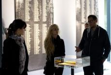 słuchacze podczas zwiedzania muzeum