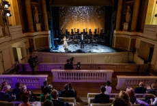 Teatr Królewski - widoczna widownia i scena