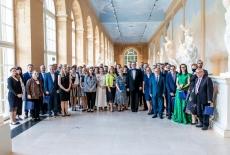 zdjęcie grupowe uczestników wydarzenia w Galerii Rzeźby