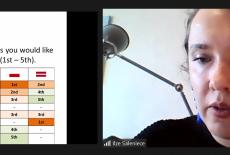 zrzut ekranu z uczestniczką spotkania i prezentacją
