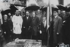 Uroczystość poświęcenia kamienia węgielnego pod budynek Szkoły Nauk Politycznych