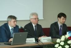 Prowadzący od lewej Andrzej Cieszkowski, Jacek Czaputowicz, Marcin Sakowicz