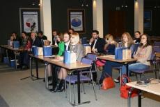 Uczestnicy szkolenia siedzą na auli KSAP.