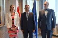 Wspólne zdjęcie Ambasadora Tajwanu, Dyrektora KSAP i Wicedyrektor KSAP.