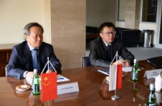 delegacja z Chin podczas spotkania