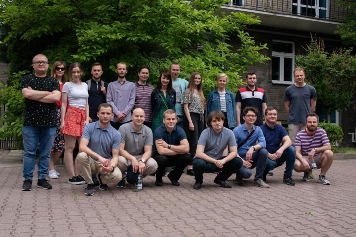 zdjęcie grupowe uczestników gry