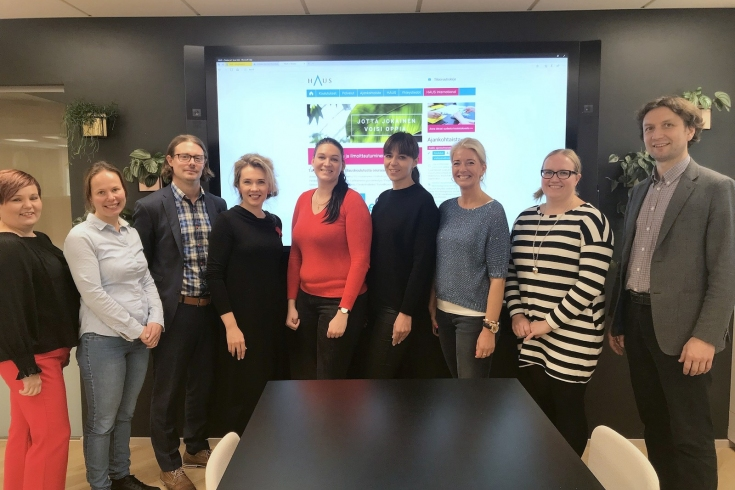 Grupowe zdjęcie uczestników spotkania w Helsinkach