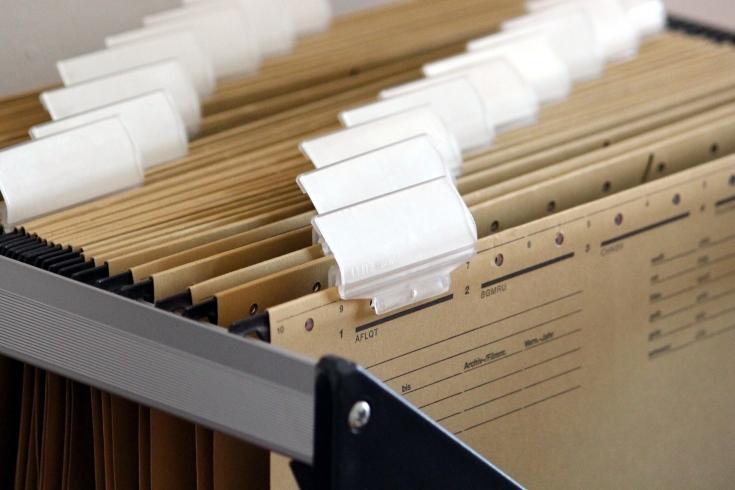 Szuflada ze skatalogowanymi dokumentami